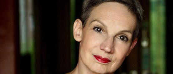 Lesung unter Apfelbäumen: Marion Brasch in Menz